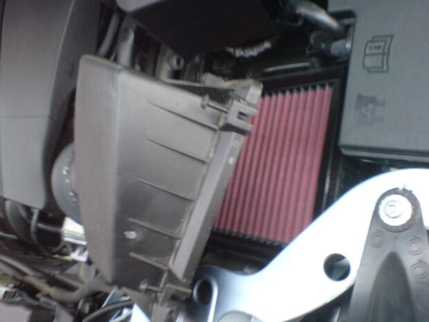 Replace Ford Focus Air Filter With K&N Re-Usable